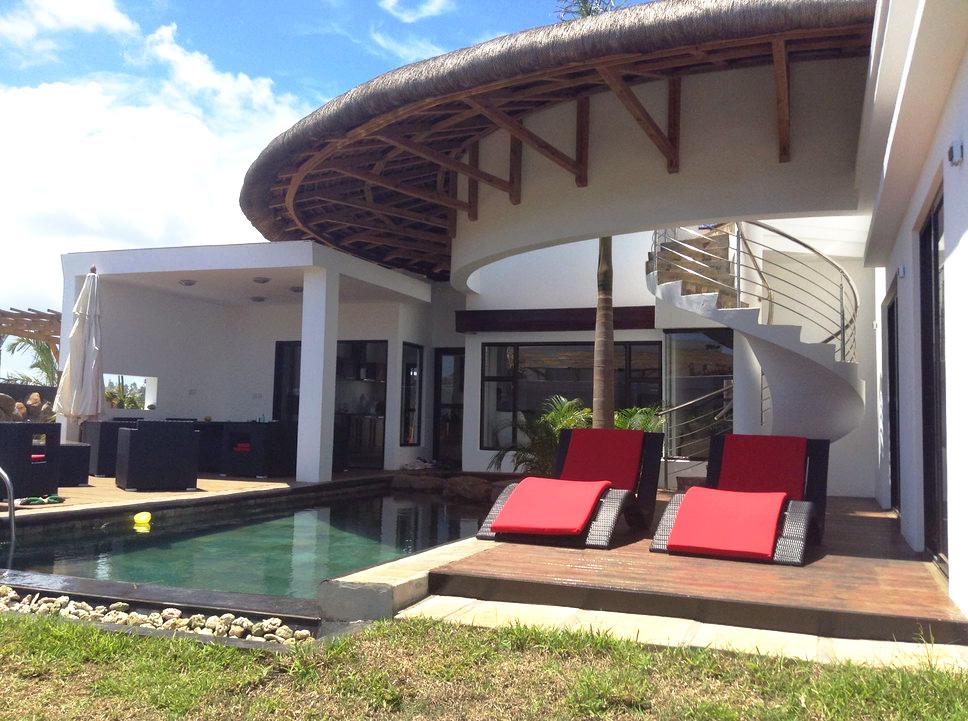 Magnifique villa de 270 m2 un terrain de 650 m2, 3 chambres en suite- île MauriceVue Piscine