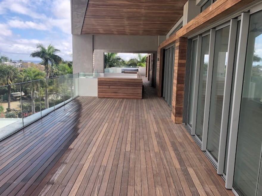 Ile Maurice             appartement moderne et joliment aménagé en bord de mer