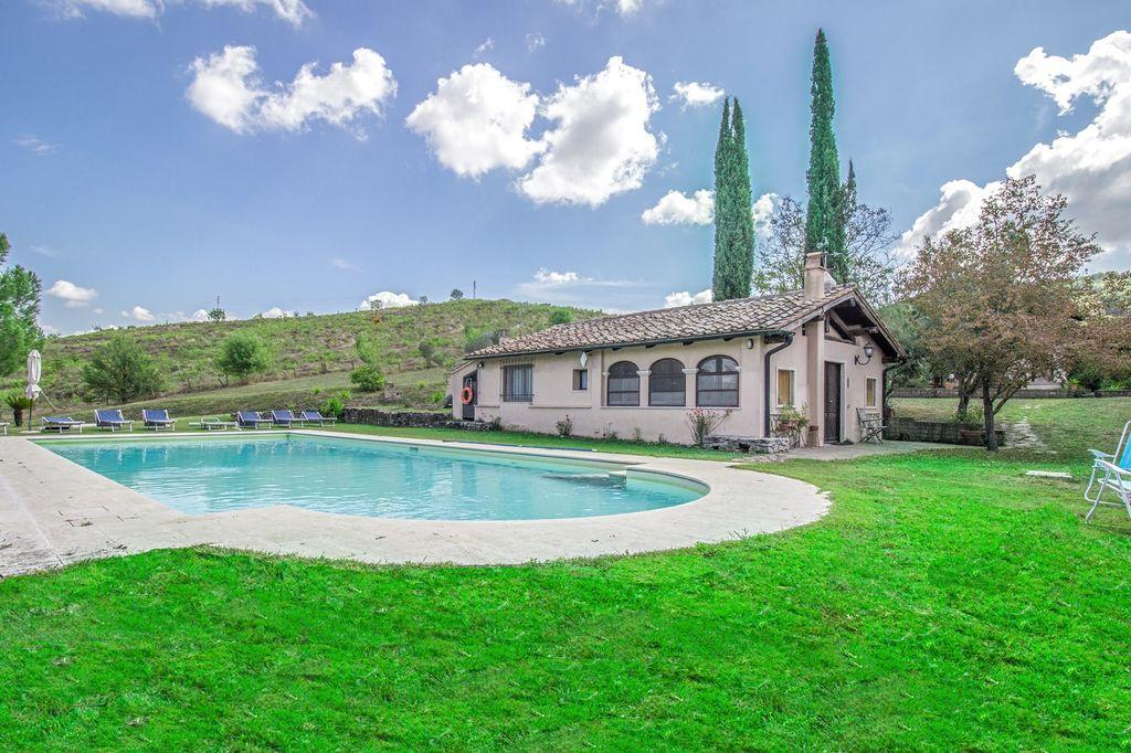 Villa d'environ 315 mètres carrés