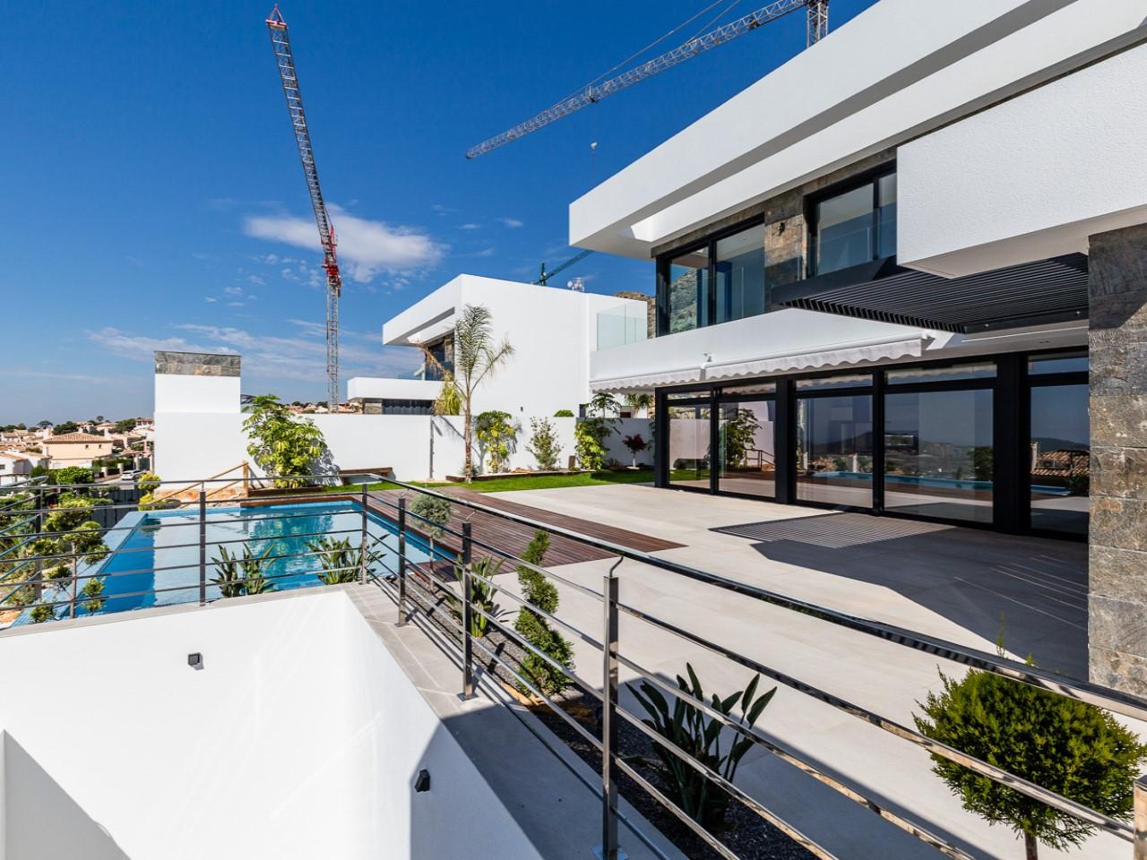 La villa dispose d'un appartement pour les invités au rez-de-chaussée