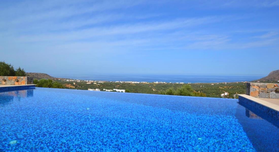 Villa de 200m2 vue spectaculaire sur la côte vue Méditerranée Grèce