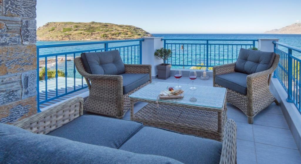 Villa 118m2 de 3 chambres à seulement 20 mètres de la mer Méditerranée