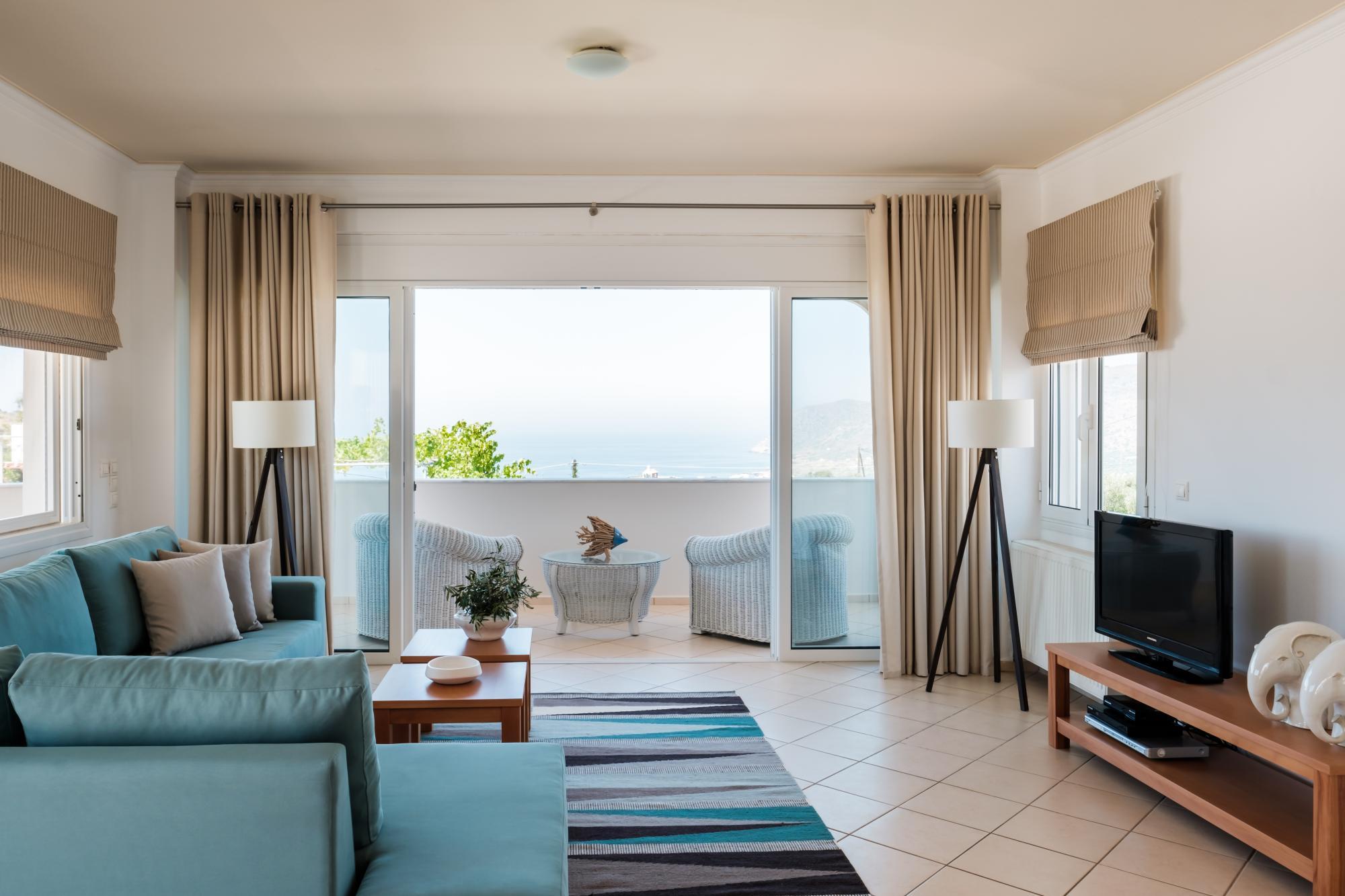 Magnifique Villa De 3 Chambres Avec Piscine Et Vue Sur La Mer.                            Magnifique Villa De 3 Chambres Avec Piscine Et Vue Sur La Mer.                 