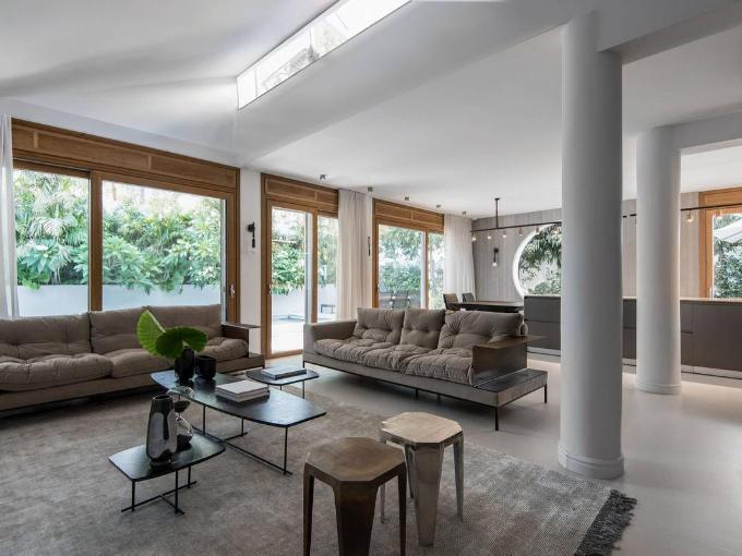 Architecte et designer israélien Oshir Asaban: rénovation villa de deux étages