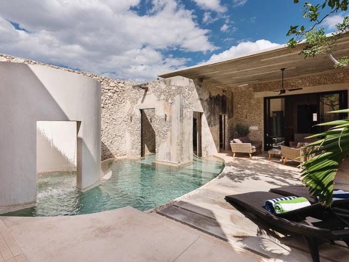 Dix piscines conçues par un architecte pour se rafraîchir à la maison