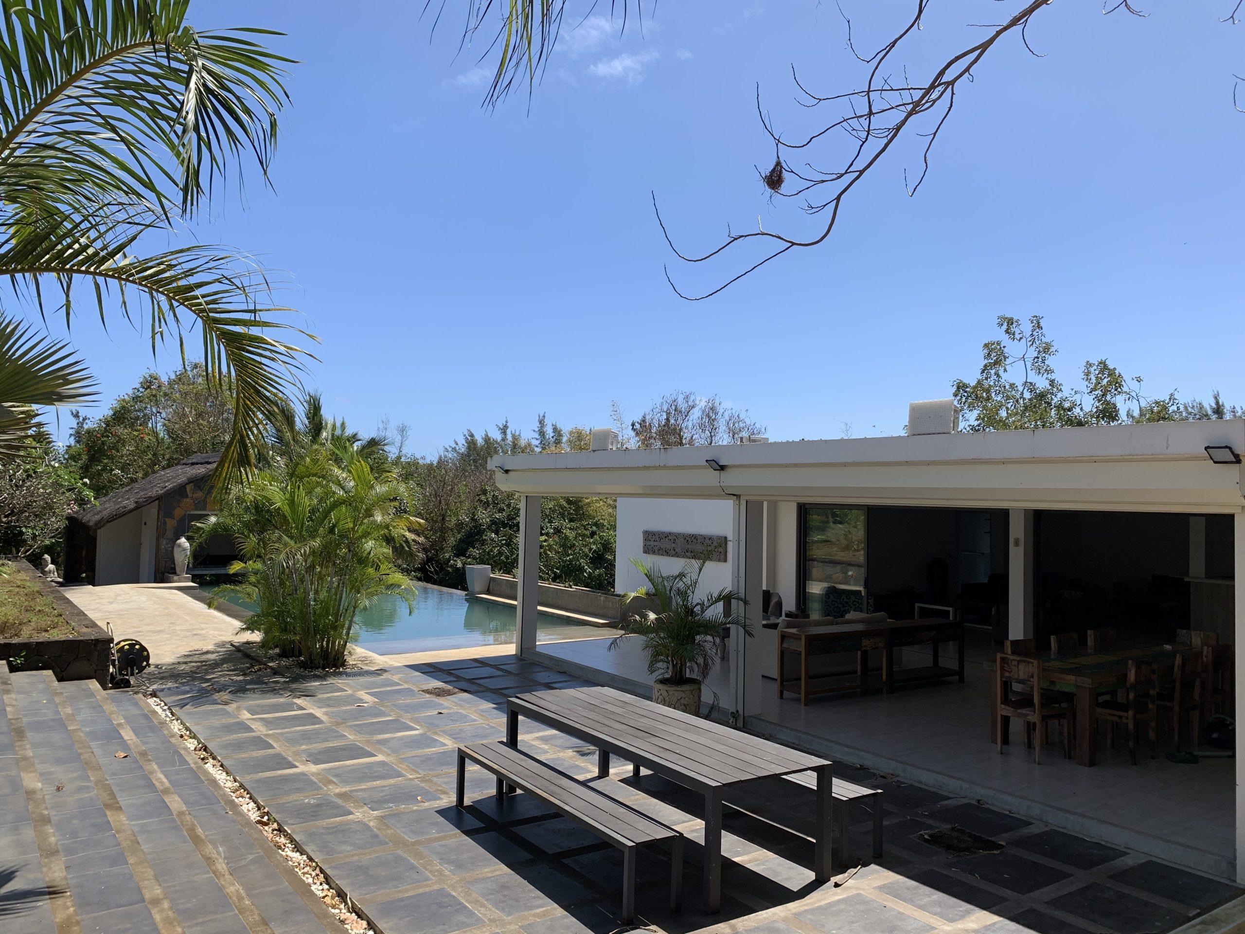 Villa contemporaine 700m² Piscine Jardin Tropical à Cap Malheureux