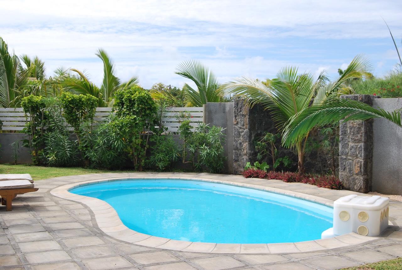 Maison moderne dans un complexe sécurisé - piscine et jardin privés