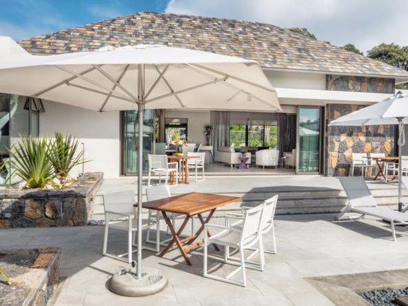 Villa de 450 m2 terrain de 2200 m2 entièrement équipée, meublée