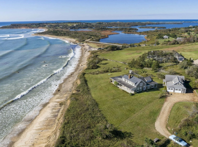 Domaine de style Cape Cod vue à 180 degrés sur l'océan Massachusetts