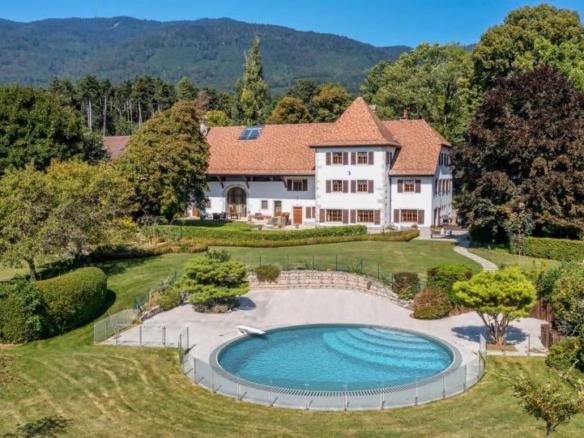 A vendre Maison de Maître du début du XIXe siècle A proximité de Genève