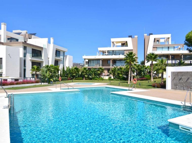 APPARTEMENTS & PENTHOUSES À CABOPINO