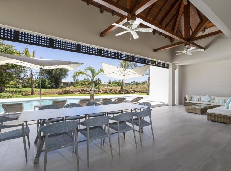 Superbe villa neuve de 400 m2 avec finitions et prestations haut de gamme île Maurice
