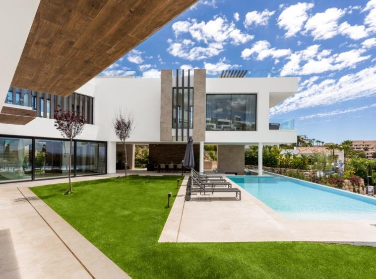 Une villa contemporaine ultra moderne récemment achevée - Benahavis - Malaga - Espagne