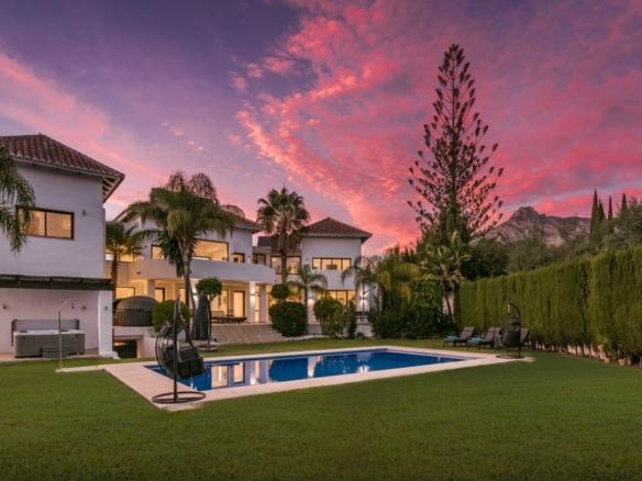 Villa de luxe de 8 chambres sur le Golden Mile de Marbella   Espagne