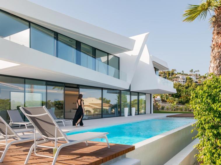 Villa moderne de 4 chambres une vue magnifique sur la mer